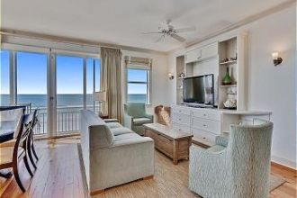 Unit 8 - Third Floor Beach Front 3 Bedroom