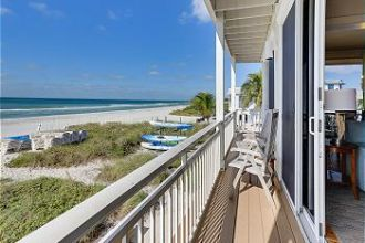Unit 4 - Second Floor Beach Front 3 Bedroom