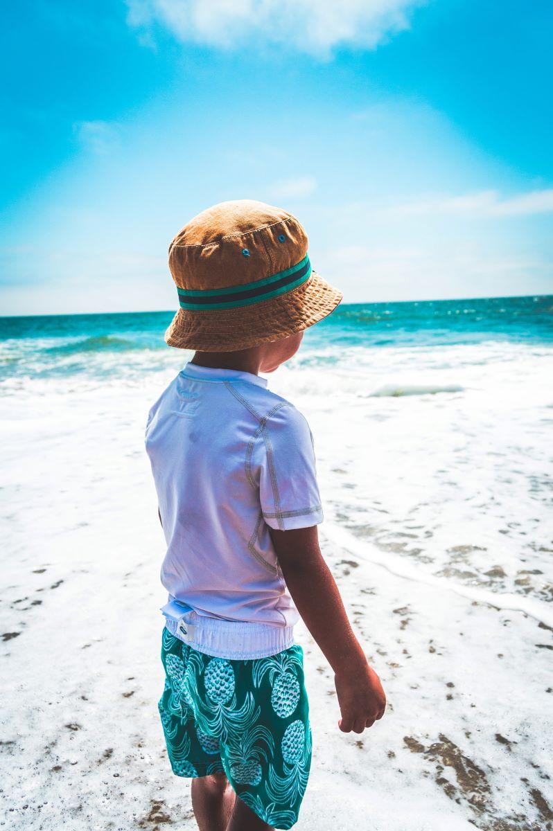 kid on anna maria island beach
