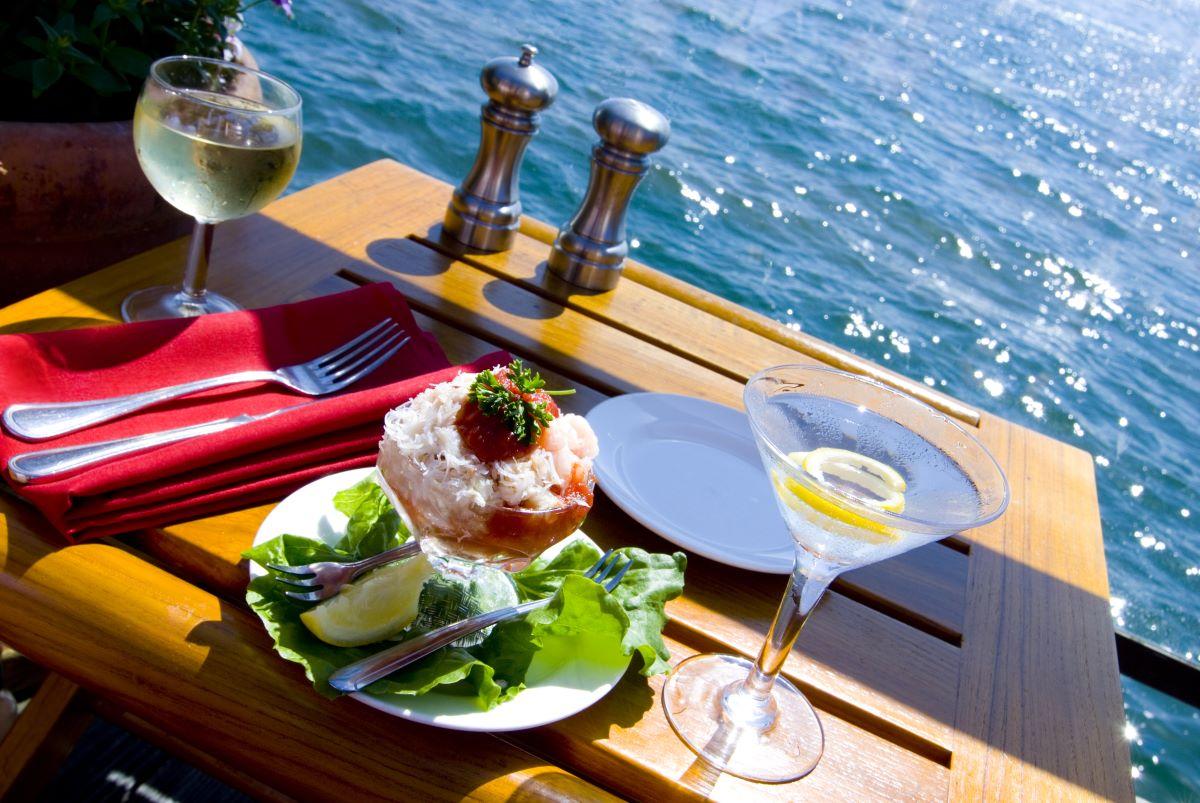 waterfront dinner from anna maria island restaurant